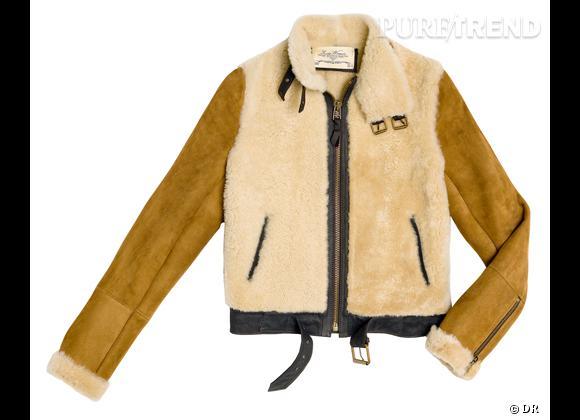 Zoom sur le mouton !     Manteau Zara, 129 €.