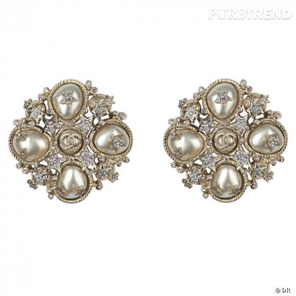 Boucles d'oreilles Chanel        Prix sur demande     Disponible en boutique en février 2012.