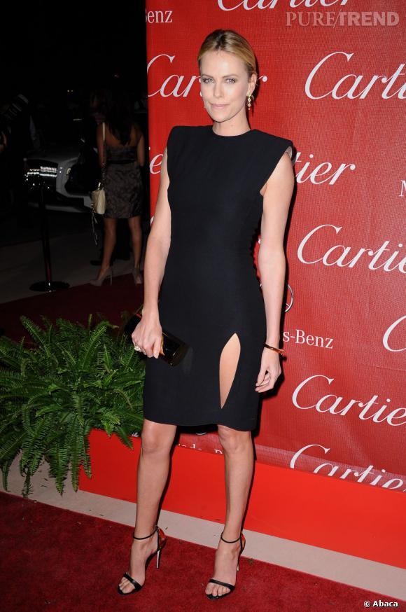 Au festival de Palm Springs 2012, Charlize Theron porte une robe Lanvin de la collection printemps 2012. Très classe...