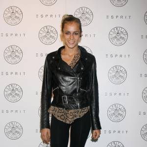"""Contre toute attente, Karl Lagerfeld craque pour Alice Dellal. Cette jeune anglaise au look punk deviendra l'égérie des sacs """"Boy"""" de Chanel."""
