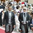 Karl Lagerfeld est avec un autre de ses protégés masculins : Sébastien Rondeau, son chauffeur/garde du corps.
