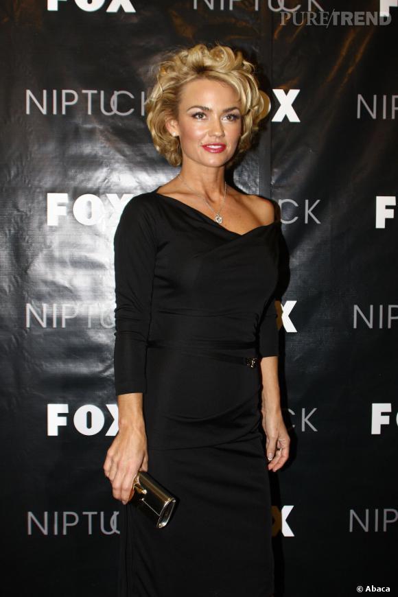 """L'acteur frappe fort. Sa première petite amie connue, la sulfureuse Kelly Carlson de la série """"Nip/Tuck""""."""