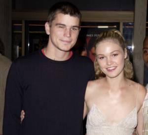 """En 1999, Josh Hartnett craque pour Julia Stiles sa partenaire dans le film """"O""""."""