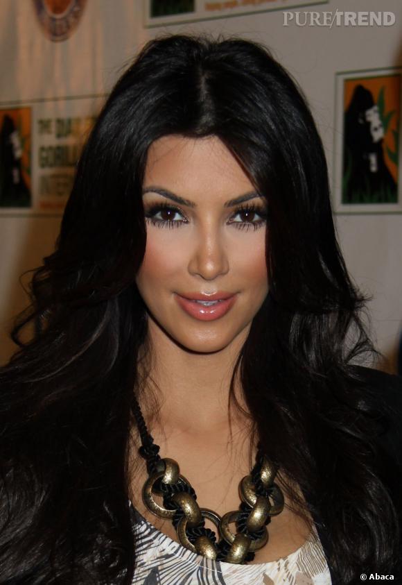 Raison n°3 :  elle passe pour une bleue du make-up. Kim  Kardashian a beau tout connaître du Botox et autres artifices beauté,  elle ne maîtrise décidément pas l'application de l'anti-cernes.