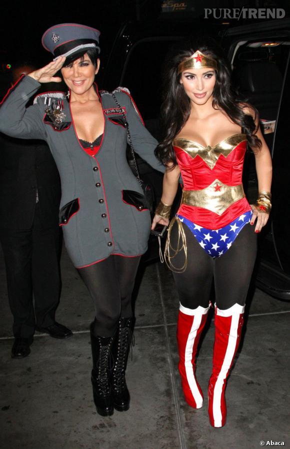 Autre chose que l'on aime chez les Kardashian : se déguiser ! Mais attention, peu importe l'âge, on reste sexy s'il vous plait !