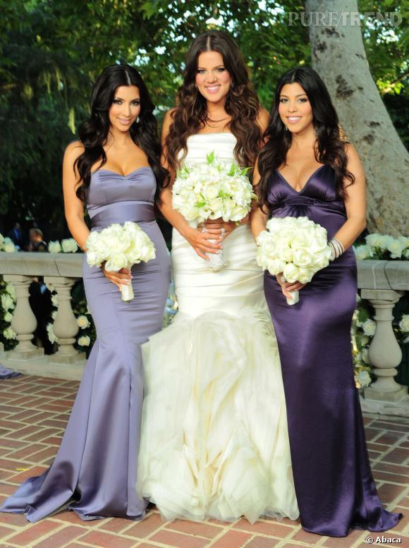 La mariée entourée de ses soeurs, ode au satin et à l'autobronzant.