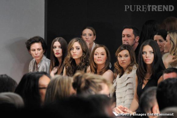 Jolie brochette chez Donna Karan avec Ashley Greene, Emmy Rossum, Rose McGowan et Adriana Lima.