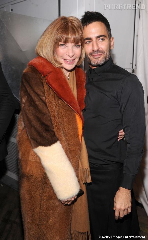 Vip aux défilés, Anna Wintour  prend la pose avec Marc Jacobs à la fin du show.