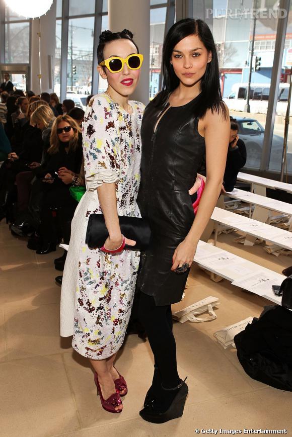 Michelle Harper et Leigh Lezark, deux modeuses aux styles diamétralement opposés chez Preen.