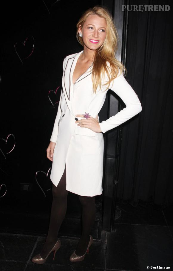 Blake Lively opte pour un look très chic signé Noon by Noor.