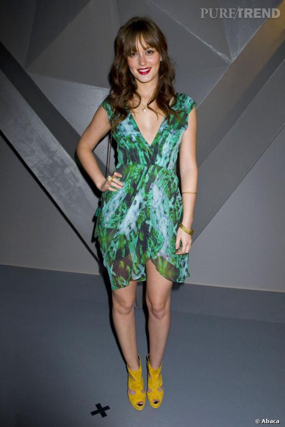 Égérie Vera Wang, Leighton Meester a bien évidemment fait le déplacement à l'occasion de la présentation de la collection Automne-Hiver 2012/2013 à New York. Elle joue les nymphettes sexy avec une robe de la maison qu'elle associe à des Giuseppe Zanotti citron.