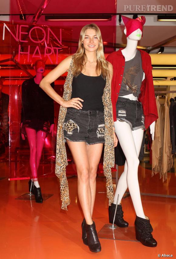 Jessica Hart et sa collection Neon Hart.