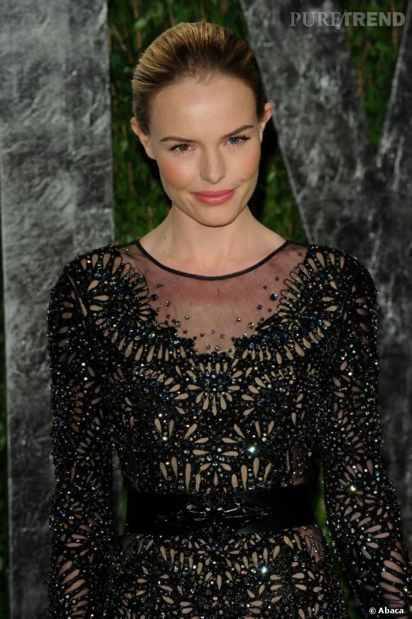 En broderies et tulle, Kate Bosworth est à la fois chic et romantique.