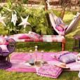 Housse de coussin imprimé Antik Batik pour La Redoute, 19,90 euros, et   banquette en tissu recyclé tressé et Sheesham Antil Batik pour La   Redoute, 349 euros. A shopper  ici .