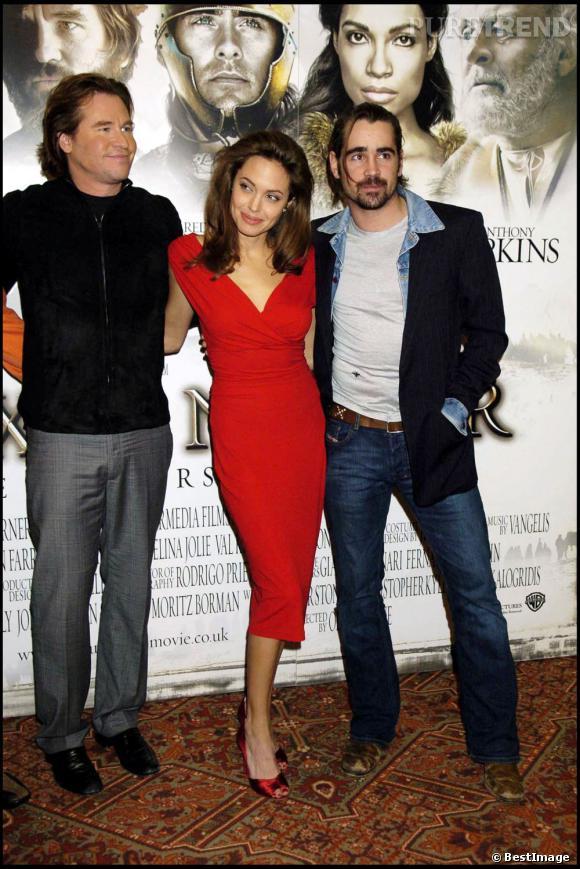 """2003 est décidément une année fructueuse pour Val Kilmer qui succombe à Angelina Jolie avec qui il tourne dans """"Alexandre""""."""