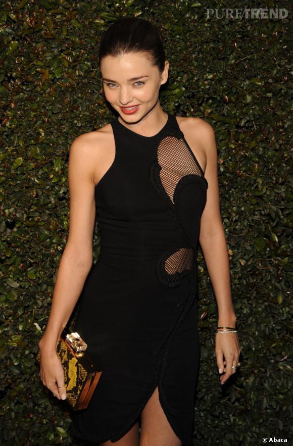 """Miranda Kerr à la première du clip """"My Valentine"""" dans une boutique Stella McCartney à Los Angeles."""