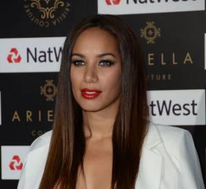 Comme de nombreuses british, la chanteuse aime son make-up bien présent...