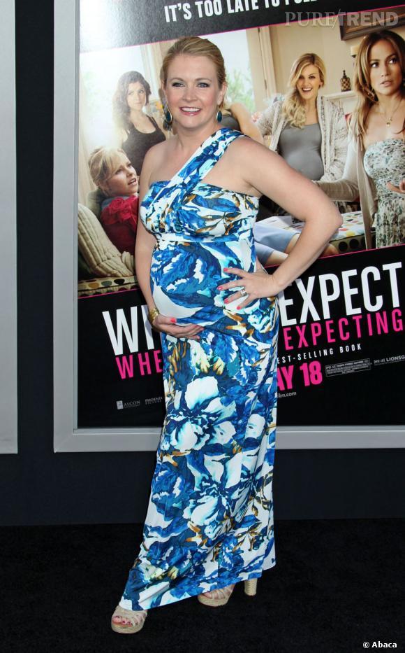 L'actrice a beau enchaîner les poses, sa silhouette n'est pas mise en valeur.