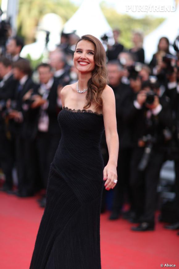 """Virginie Ledoyen lors de la présentation du film """"De rouille et d'os"""" sur le red carpet cannois."""