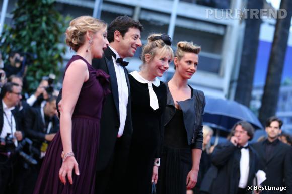 """Ludivine Sagnier, Patrick Bruel, Julie Depardieu et Cécile de France lors de la montée des marches de """"Thérèse Desqueyroux""""."""
