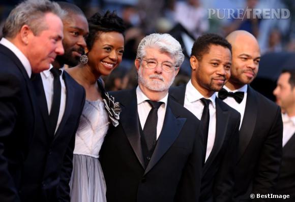 """George Lucas lors de la montée des marches de """"Cosmopolis""""."""