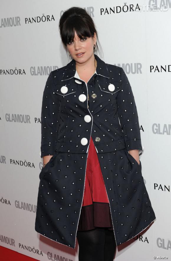 Lily Allen, mélange de couleurs très pop.