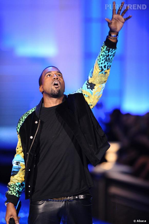 Kanye West n'a visiblement pas retenu la leçon de Ross et de son jean en cuir.