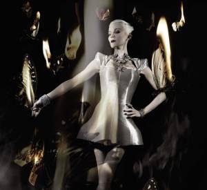 Daphne Guinness met une partie de sa garde-robe aux enchères.