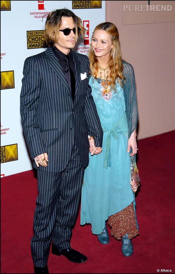 12 janvier 2004  : Johnny Depp et Vanessa Paradis continuent dans leur lancée des années 20 couplées à un style bohème.