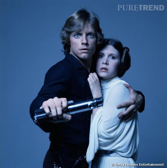 La coiffure de la Princesse Leia resiste à tout : le combat, la nuit, les calins. Invincible.
