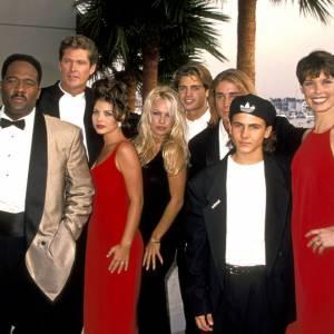 """David Hasselhoff et toute l'équipe d'""""Alerte à Malibu""""."""