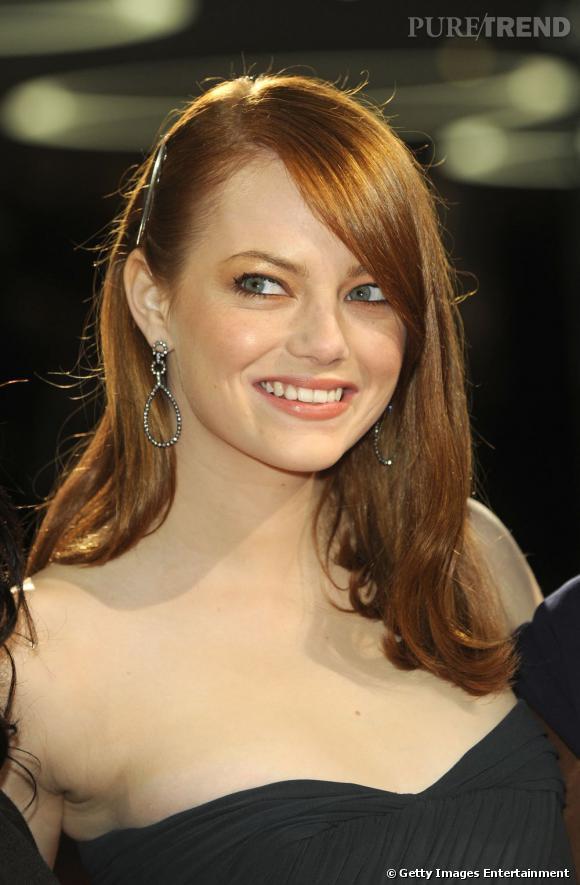 La barrette se veut épurée et discrète du côté d'Emma Stone.