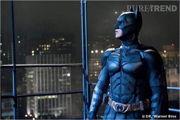 Et non, Batman n'est plus un héros... Les citoyens de Gotham le voient comme un meurtrier, et il aura du mal à revenir dans la ville