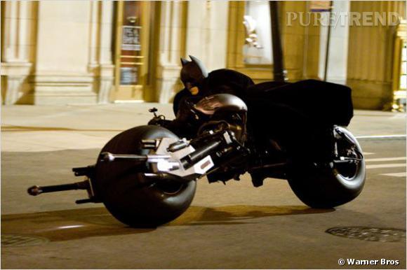 """Vous vous souvenez de la Batmobile-Batmoto du dernier film ? Dans """"The Dark Knight Rises"""", elle pourra même voler..."""