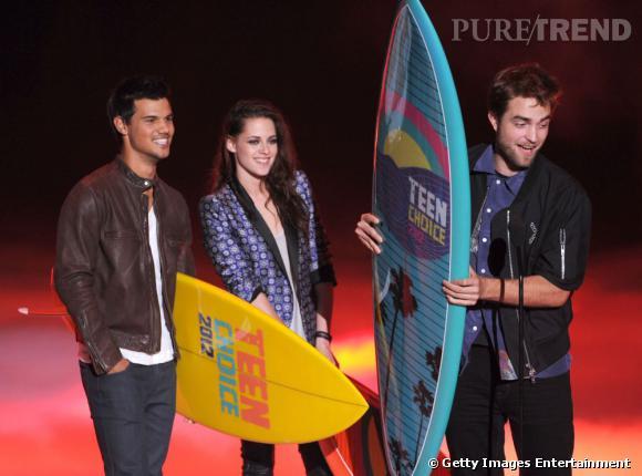 En remportant plusieurs prix dont l'Ultimate Choice Awards lors de la cérémonie des Teen Choice Awards dimanche soir à Los Angeles, la saga Twilight fait grimper à 41 le total de ses récompenses depuis 2008.