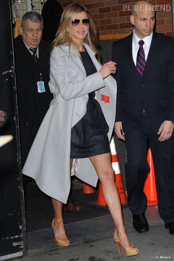 En 2012, on montre ses jambes après 40 ans. Comme Jennifer Aniston.