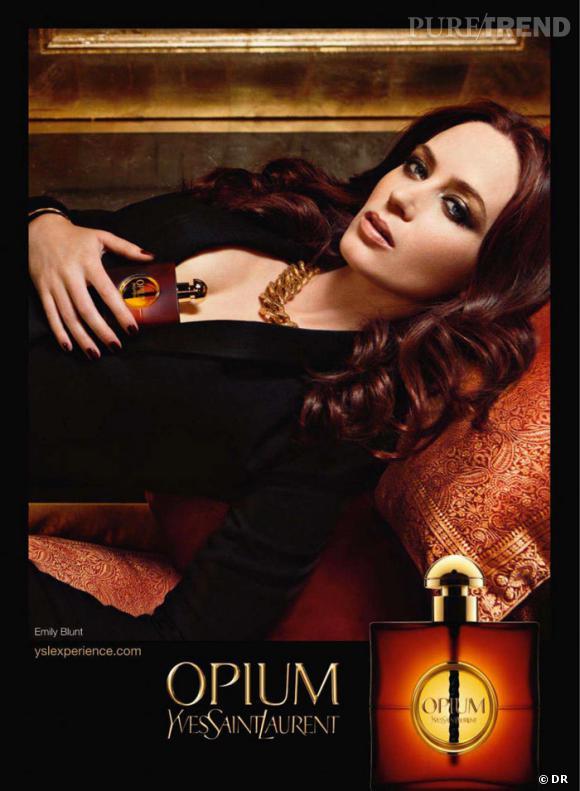 Parfum La D Le Opium Emily Publicité Pour Dans BluntLangoureuse c4jSL5q3AR