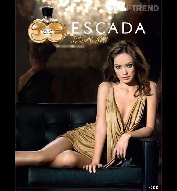 Olivia Wilde prend la pose pour le parfum Escada.
