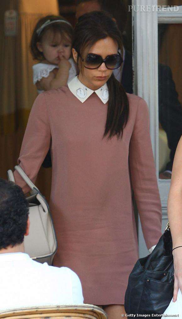 Victoria Beckham porte une robe Victoria, Victoria Beckham Automne-Hiver 2012/2013.
