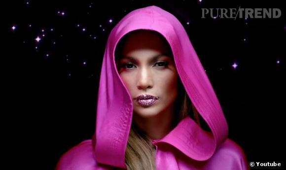 """Jennifer Lopez dans son nouveau clip """"Goin'in"""" avec Flo Rida."""