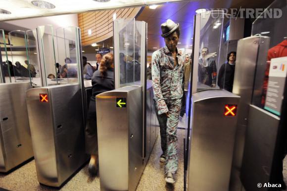 Keziah Jones passe par les mauvaises portes du métro.
