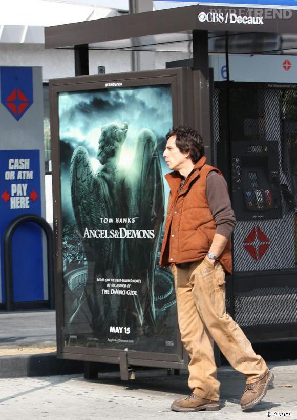 Ben Stiller en a marre d'attendre le bus.