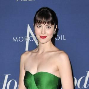 Très élégante, la star choisit avec soin ses robes de soirée
