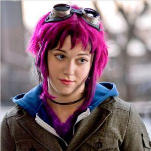 """En 2010, elle joue Ramona Victoria Flowers dans """"Scott Pilgrim"""". Des cheveux fuchsia qui ne passent pas inaperçus !"""