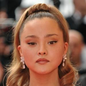 Des débuts dans le mannequinat à 13 ans, Kate Moss comme mentor, égérie Versace à 16 ans, la carrière de Devon Aoki a démarré sur les chapeaux de roues, malgré son petit mètre 68. Entre défilés et campagnes de pub, l'Américaine au visage tout en rondeur s'est aussi essayée au cinéma.