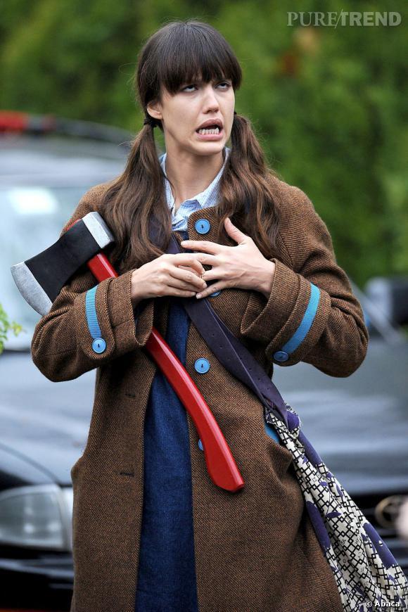 """Le flop Jessica Alba : Dans """"Invisible Sign"""", l'actrice joue Mona, une femme très solitaire. On comprend pourquoi !"""