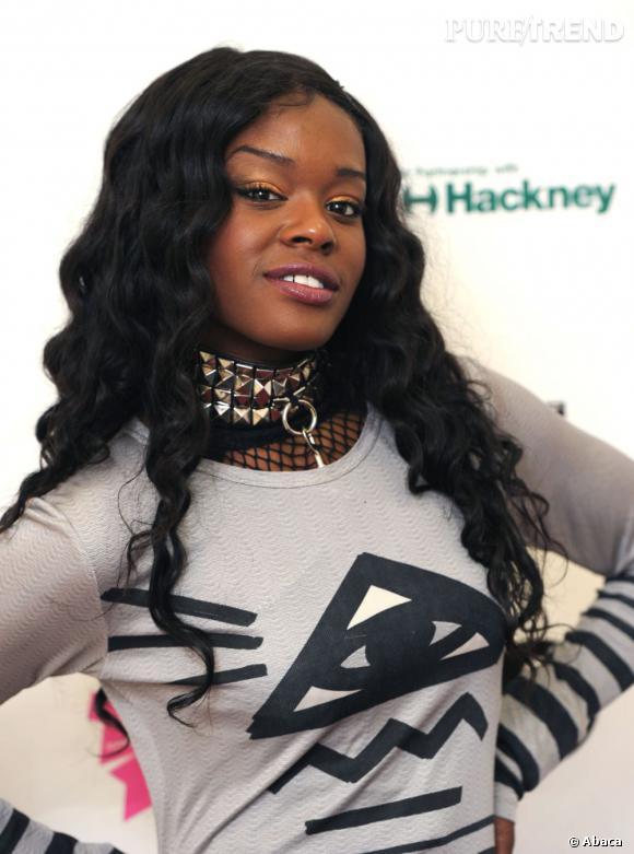 La rappeuse Azealia Banks s'associe à MAC pour créer un rouge à lèvres.
