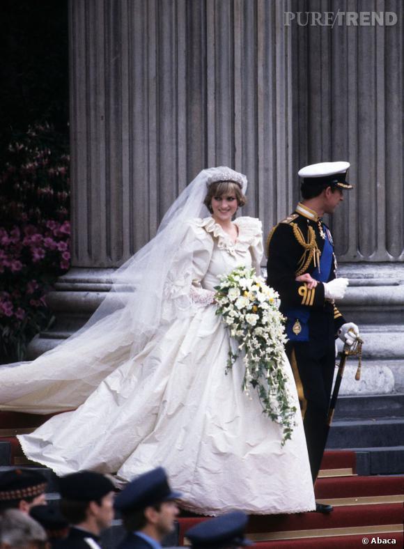 Lady Diana, sa fameuse robe de mariée, récemment concurrencée par celle de Kate Middleton.