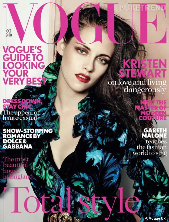 Kristen Stewart photographiée par Mario Testino pour le Vogue Uk d'octobre 2012.