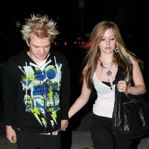 Avril Lavigne et Deryck Whibley se sont séparés en 2010, mais ils ont été récemment aperçus ensemble en France. Pas de rancoeur de la part de la chanteuse qui s'est depuis fiancée avec Chad Kroeger.